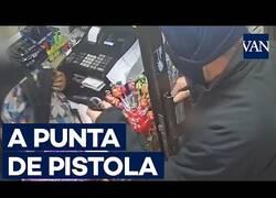 Enlace a Asaltan un supermercado a punta de pistola en Barcelona