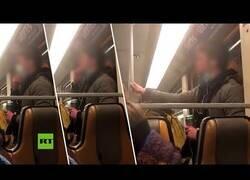 Enlace a Un joven esparce su saliva por el metro de Bruselas