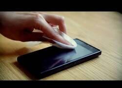Enlace a ¿Por qué es necesario desinfectar nuestros dispositivos móviles y cómo hacerlo?