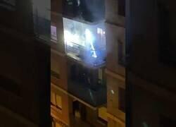 Enlace a Discotecas desde el balcón para combatir el aburrimiento de la cuarentena