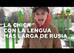 Enlace a La chica con la lengua más larga de Rusia