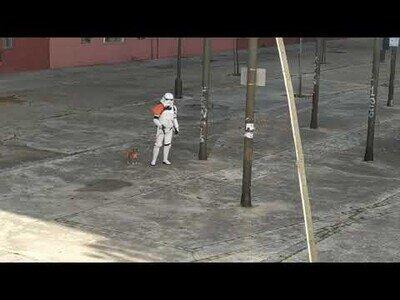 Los soldados imperiales también sacan a pasear al perro