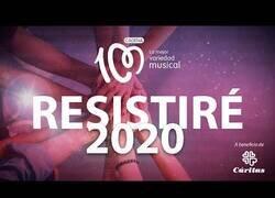 Enlace a Artistas hispanos unen fuerzas para interpretar 'Resistiré'