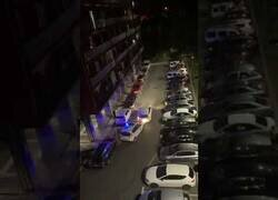 Enlace a Un conductor colisiona contra varios coches de policía en Guipúzcoa