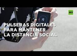 Enlace a En Bélgica utilizan pulseras digitales para mantener la distancia social