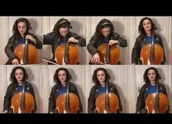 Enlace a La BSO de El Coche Fantástico interpretada por 8 violonchelos