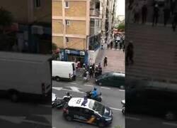 Enlace a Cinco policias heridos en una reyerta en Requena, Valencia