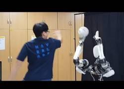 Enlace a El robot que podría jugar en la NBA