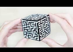 Enlace a Resolviendo el cubo de rubik más difícil del mundo