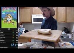 Enlace a Batiendo el record de velocidad preparando un burrito