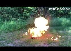 Enlace a Experimento: Prendiendo fuego sobre 70 mecheros