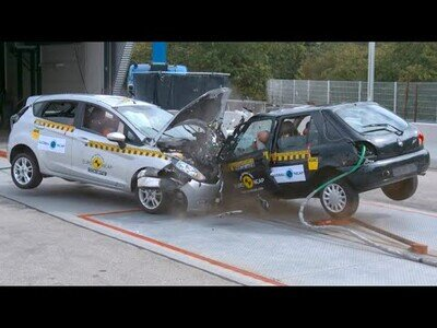 Crash Test entre coches modernos y coches antiguos