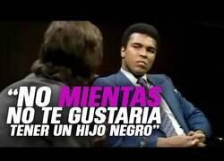 Enlace a Así opinaba Muhammad Ali sobre la integración racial en 1971