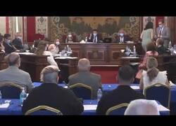Enlace a Una concejal de Podemos se queja de 'machismo' por que el aire acondicionado está muy fuerte