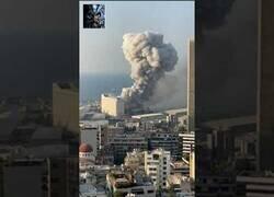 Enlace a La impactante doble explosión en el puerto de Beirut