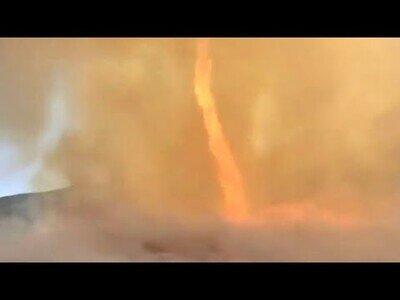 Graban un tornado de fuego en Galicia