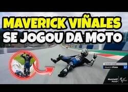 Enlace a Maverick Viñales se tira de la moto al no funcionarle los frenos