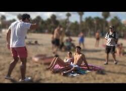 Enlace a Didac Ribot y Tiparraco se unen en busca de un polvo por la playa
