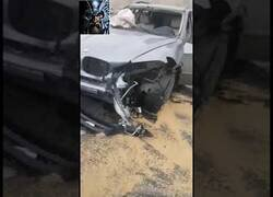 Enlace a Así quedó este coche patrulla tras ser embestido por un vehículo robado