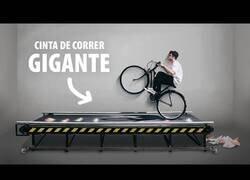 Enlace a Probando una cinta de correr gigante