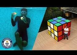 Enlace a Los récords mundiales más increíbles con cubos de Rubik
