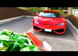 Enlace a Así es vivir con un coche de 350.000€