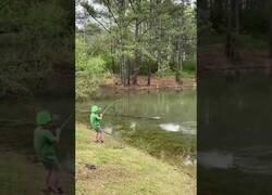 Enlace a Momento exacto en el que nace un pescador