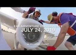 Enlace a Viajando en un avión uniplaza
