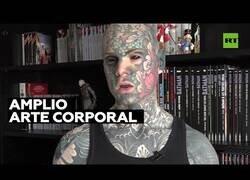 Enlace a Maestro francés es considerado el hombre más tatuado de Francia