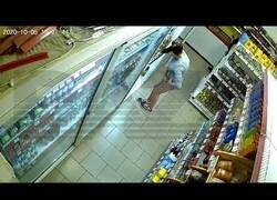 Enlace a Mientras tanto, en Rusia…Yendo al supermercado y robando sin parar