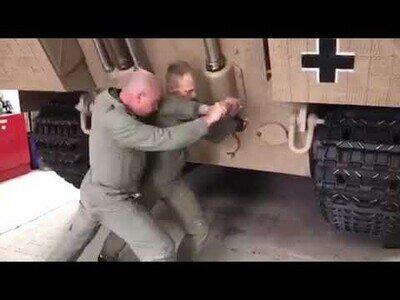 Así se pone en marcha un tanque de la Segunda Guerra Mundial