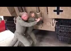Enlace a Así se pone en marcha un tanque de la Segunda Guerra Mundial