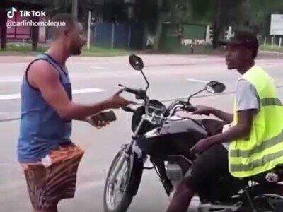 Montar una moto-taxi parecía buena idea hasta que...