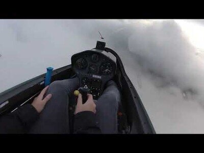 Salvando la vida a pocos metros de estrellar contra un montaña