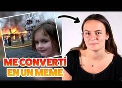 Enlace a La historia de cómo Zoe Roth, la niña desastre, se convirtió en meme