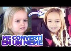 Enlace a La historia de cómo Chloe, la niña confundida, se convirtió en meme