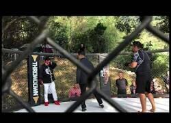 Enlace a Pelea entre un Maestro de Tai Chi y un Luchador de MMA dura 10 segundos