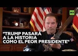 Enlace a El mensaje de Arnold Schwarzenegger contra Donald Trump