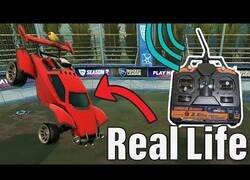 Enlace a Fabricando un coche de Rocket League (capaz de saltar)