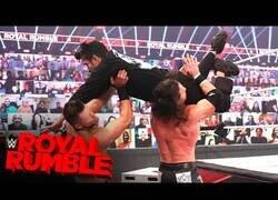 Enlace a La aparición estelar de Bad Bunny en la WWE