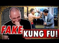 Enlace a Maestro Shaolin reacciona a falsas técnicas de Kung Fu