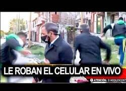 Enlace a Roban el móvil a un reportero en directo