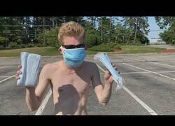Enlace a Corriendo 1 KM con 10 mascarillas en pleno verano y después de fumar