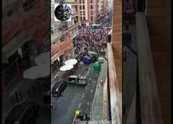 Enlace a Enfrentamientos entre seguidores del Athletic Club y la Erzaintza en las calles de Bilbao