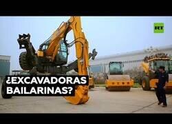 Enlace a La excavadora 'arácnida' que sabe bailar