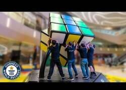 Enlace a El cubo de rubik más grande del mundo
