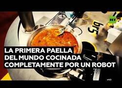 Enlace a La primera paella del mundo cocinada al 100% por un robot