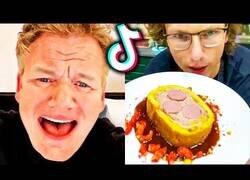 Enlace a El Chef Ramsay reacciona a lamentables TikToks culinarios