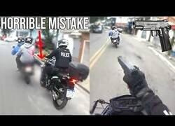 Enlace a Persecución policial a un moto con pasajero