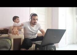 Enlace a Teletrabajar siendo padre no es fácil